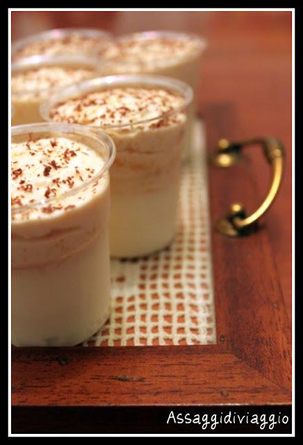 Bicchierini di budino alla vaniglia e mousse di cachi